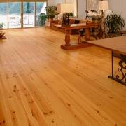 grenen houten vloer